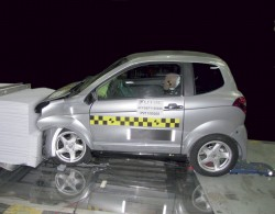 Crash test Frontal voiture sans permis Aixam